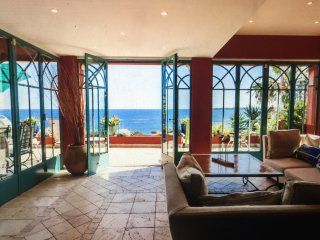 Living room with spectacular sea views and light