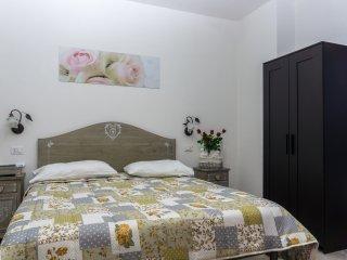 Affittacamere '6incentro'guest house   camera  'Fiori e Musica'