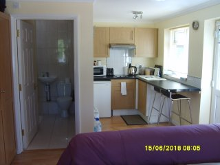 Self contained Studio unit, in Small Hampshire Village, Bordon