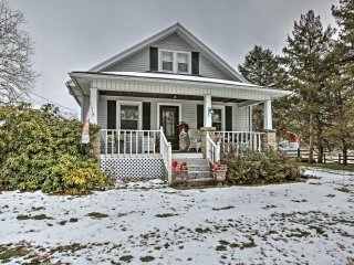 NEW! 'The Farmhouse' 4BR South Bend House w/ Stables