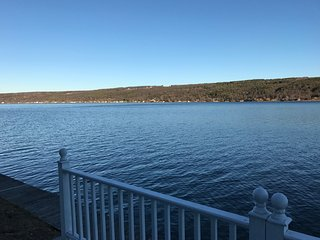 Spectacular Lake Front Home on Keuka Lake! Close to Hammondsport & Wineries!!!