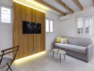 Trendy apt - Port area - Near Old Town - A/C