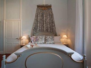 La Tour du Chateau - Family room with private bath, Ventenac-en-Minervois