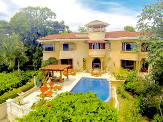 Villa Vigia: 4 Bedrooms, 6 Baths, Privacy, Wildlife, Ocean & National Park Views, Manuel Antonio National Park