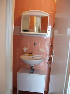 A1(2+3): bathroom with toilet