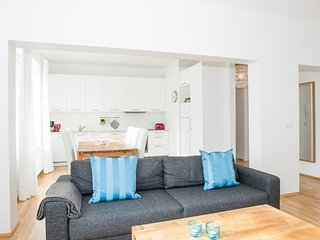 Hverfisgata Superior 2 bdrm apartment