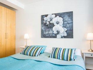 Brilliant 1 Bedroom  Apartment with Balcony