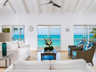 Grace Too Villas - prime beachfront location on Grace Bay beach