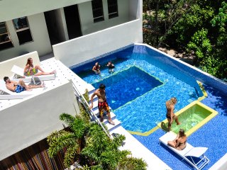 Luxury, 3 Bdrm,  Near Coco Beach, Right on 5th Ave, Pool, Maid, Private Patio