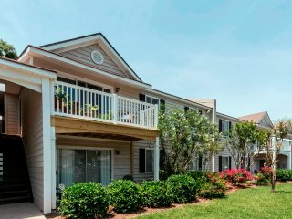 Q14 Ocean Walk Resort: private Wi-Fi, Newly Renovated, Near Pools, Tennis Courts, Saint Simons Island