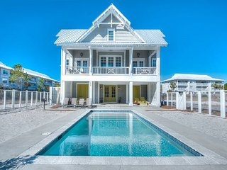 Custom Home! Sleeps 14 Close to Seaside! Private Pool & Private Beach Boardwalk