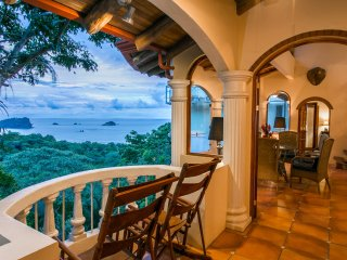 El Congo: Central, 2-Bedroom Apartment in 4-Unit B&B-Style Ocean View Home