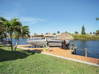 Villa Blue Lagoon - Beautiful Vacation Home in Paradise! Sleeps 8