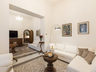 EXCLUSIVE VILLA IN FLORENCE