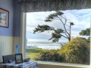 Newly Remodeled! Ocean View in Yachats! FREE Night!