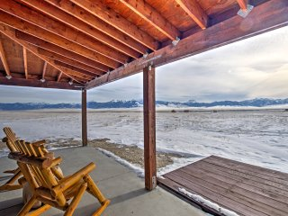 Ennis Home w/Deck - 18 Miles from Gravelly Range!