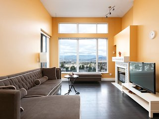 2BD 1BA Penthouse in Burnaby with Amazing Views!