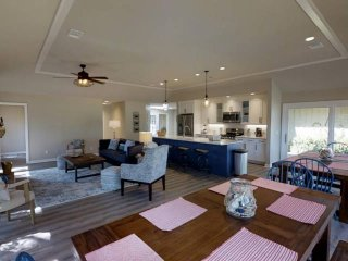 Completely Renovated & Redecorated in 2017 on The Harbour Town Golf Course