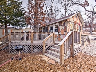 'The Far Out' Camdenton Cottage w/Dock Access!