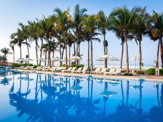 The Grand Mayan Acapulco: 1-Bedroom, Sleeps 4