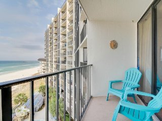 Resort condo on the beach with a balcony, views & 11 shared pools and hot tubs!