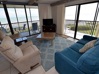 Sundial A210 2 bedroom gulf front resort style condominium