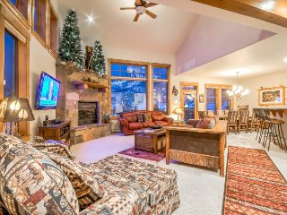Luxury Townhome With Views And Great Amenities and Location, Steamboat Springs
