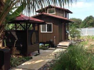 The sweetest Hana Mana Organic Farm Cottages (GARDEN COTTAGE CALENDAR)