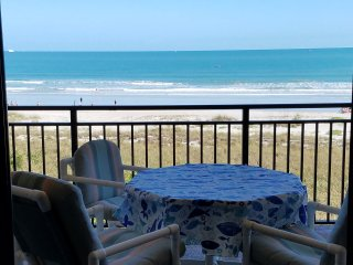 Breathtaking ocean front condo with unobstructed complete views of the ocean