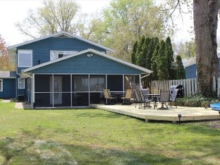 Huge 4800 Lakefront Home with 6 BR perfect for Family Reunion or Vacation