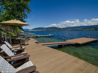 Five Star Lakefront Cottage On Lake Okanagan With It's Own Private Dock