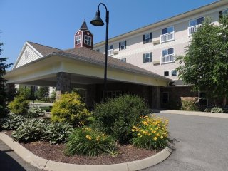 Berkshire Mountain Lodge - Fri, Sat,Sun check ins only!  Inbox x, Pittsfield