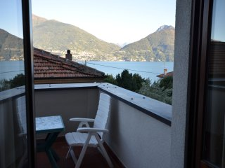 Apartment Cipresso 16 with Lake View and Balcony