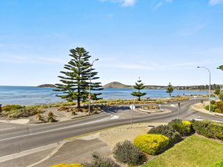 63 Franklin Parade - Absolute Seafront with Gorgeous Views