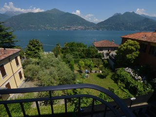 Apartment Cipresso 29 with Stunning Lake View, 3 Bedrooms, 8 Persons
