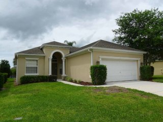 Calabay Parc 4/3 Pool Home property, fully furnished, with full kitchen, and all linens and towels, Davenport