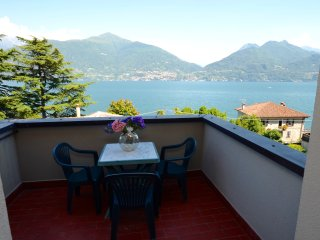 Apartment Cipresso 32 with Stunning Lake View, 2 Bedrooms, 6 Persons