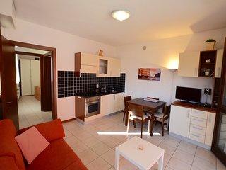 Studio Apartment Mimosa 1 with Lake View