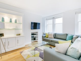 Marylebone High Street Apartment Sleeps 4 with WiFi - 5777581