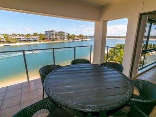 3 Bedroom Beachfront Apartment #56