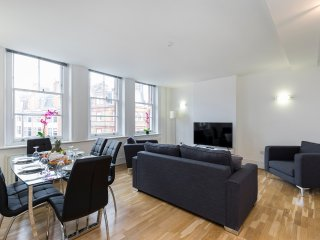 124. 3BR FLAT IN LONDON'S CHIC MARYLEBONE DISTRICT - JUST NEAR BOND STREET