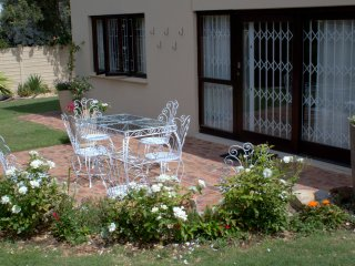 Self catering garden apartment