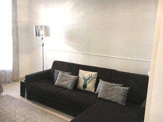 New White Stylish Apartment close to beach - max 5p
