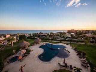 Casa Cielo - Ocean View Condo in Cabo del Sol walking distance to the beach