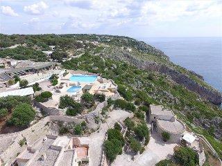 Bilo Anna - casa vista mare in residence con piscina