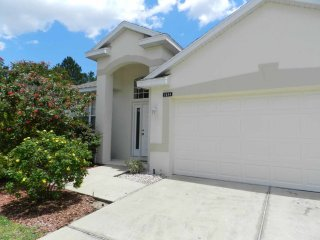 Highlands Reserve 4/2 pool home property, fully furnished, with full kitchen, and all linens and towels.