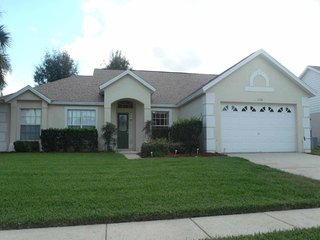 Greater Groves 4/2 pool home with ample space for the whole family. Near