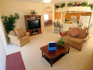 Highly accommodating 5/3 Pool Home at Westhaven. Spacious private home in