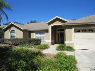 Greater Groves 4/2 pool home property, fully furnished, with full kitchen, and all linens and towels, Clermont