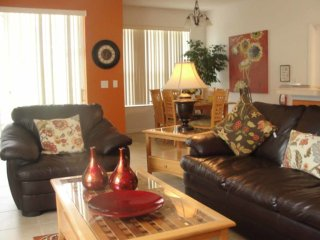 Highlands Reserve 4/2 pool home property, fully furnished, with full kitchen, and all linens and towels., Davenport